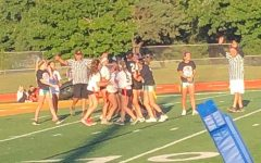 Seniors beat underclassmen during Powderpuff game