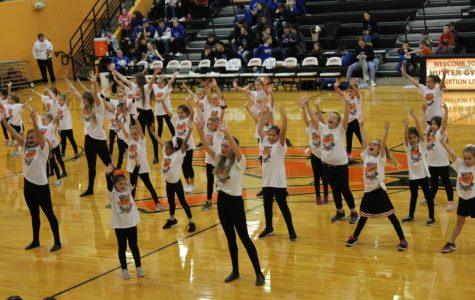Oriolettes host dance clinic