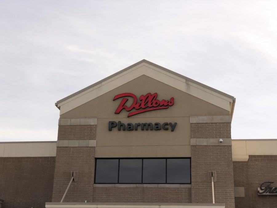 Dillons+is+trying+to+keep+up+with+the+struggle+of+shoppers+during+the+COVID-19.+